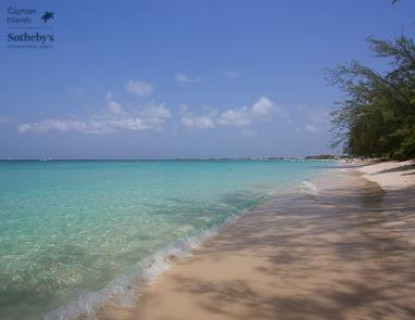 Seven Mile Beach in front of The Watermark, Grand Cayman