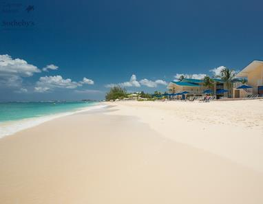 Seven Mile Beach in front of Cayman Reef Resort