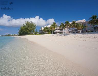 Seven Mile Beach in front of The Commonwealth, Grand Cayman